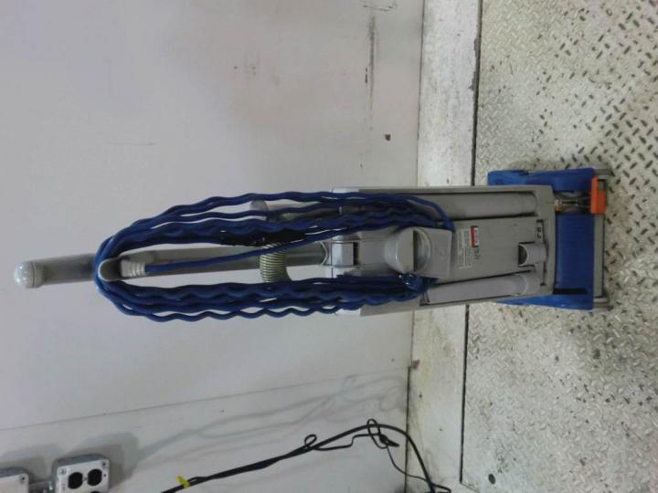 Lot Of 14 Windsor Sensor S12 Upright Vacuums For Parts Ebay